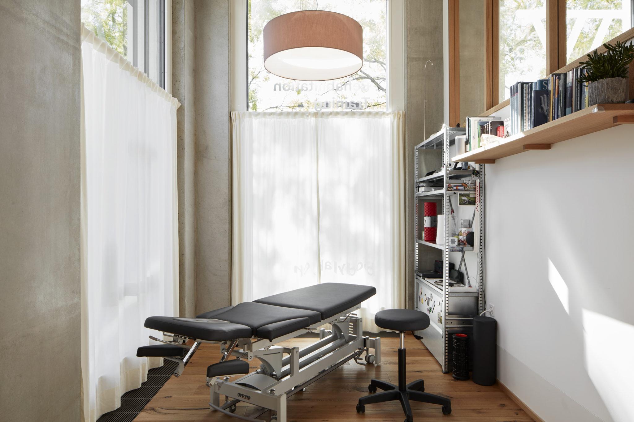 Innenaufnahmen BodyLab | Osteopathie Physiotherapie Rehabilitation Training Massage Fasziendistorsionsmodell FDM| Zürich